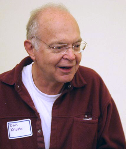 https://fr.wikipedia.org/wiki/Donald_Knuth#/media/Fichier:KnuthAtOpenContentAlliance.jpg